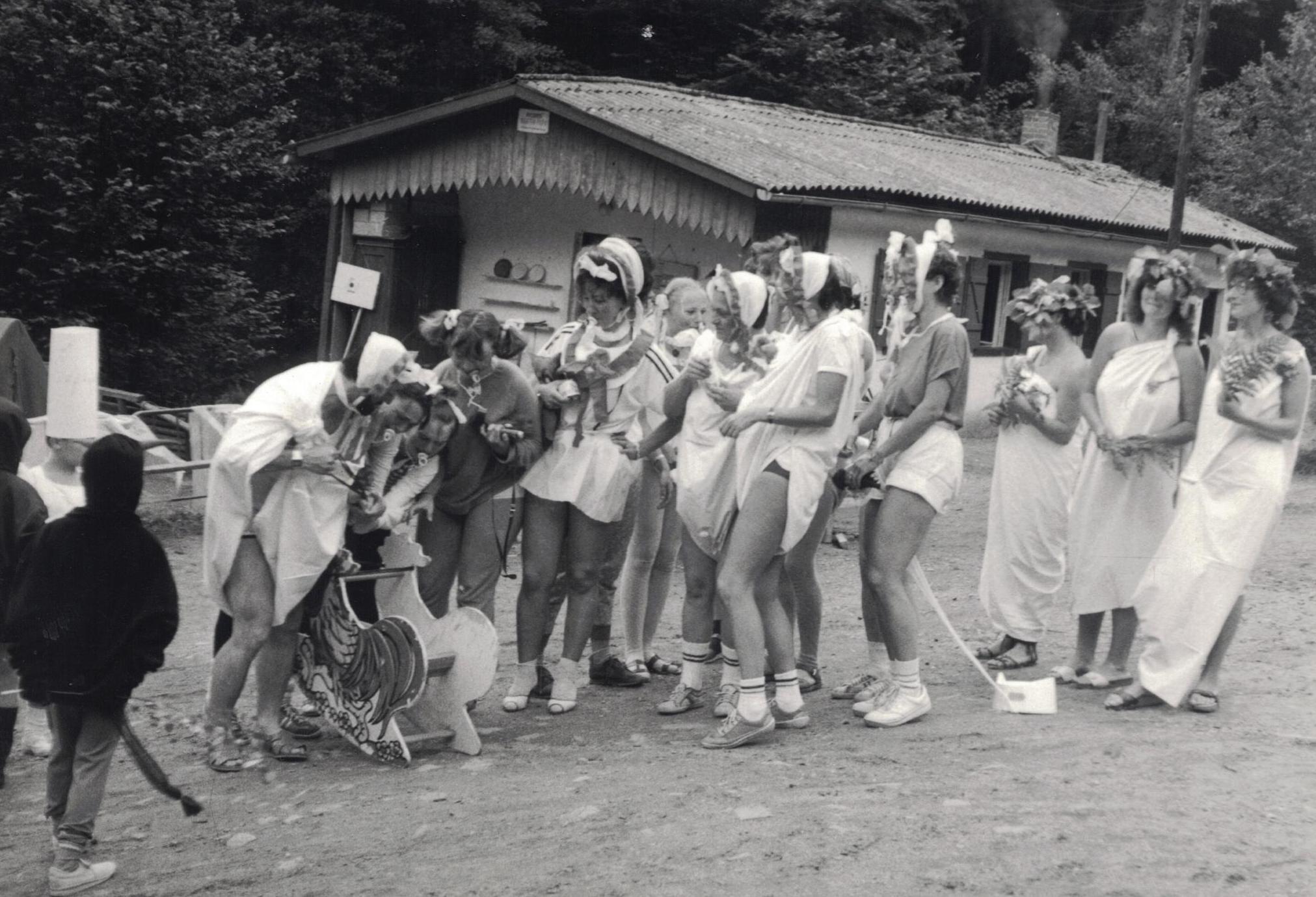 https://www.rudolfaci.cz/wp-content/uploads/2020/11/1987_Karneval_03.jpg